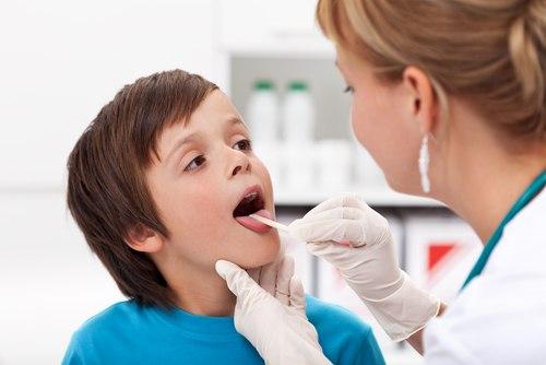 Thuốc trị ho cho trẻ cần lư ý trước khi dùng để tránh lạm dụng