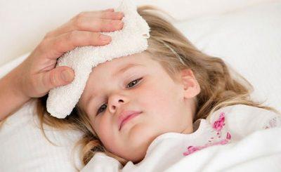 Trẻ ốm khi đi học cần làm gì để phòng