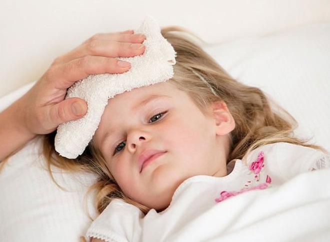 Trẻ bị sốt khi nào cần đưa đi khám