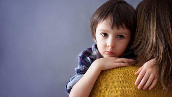 Biểu hiện của trẻ tự kỷ